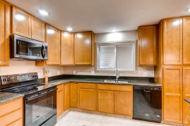 10951 Acoma St Northglenn CO-print-008-2-Kitchen-2700x1800-300dpi